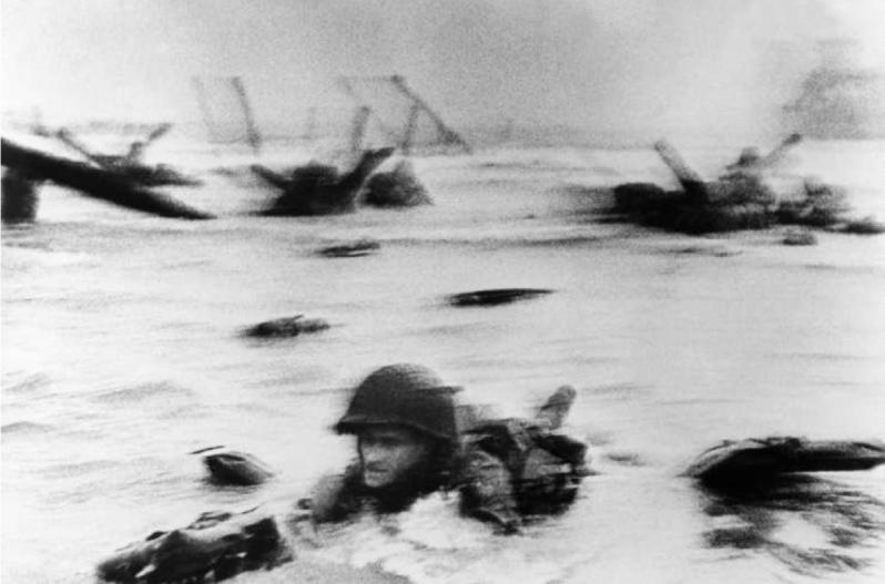 Robert Capa - Debarquement Omaha Beach
