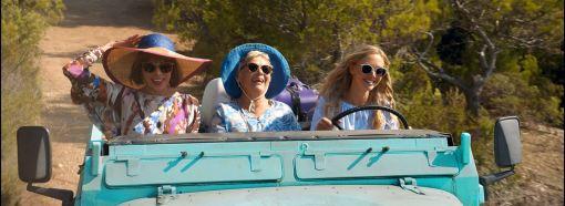 Mamma Mia - Here we go again - Amanda Seyfried - Christine Baranski - Julie Walters - sourire voiture
