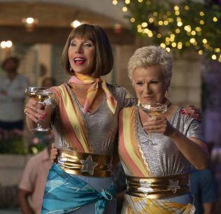 Mamma Mia - Here we go again - Christine Baranski - Julie Walters - kitsh
