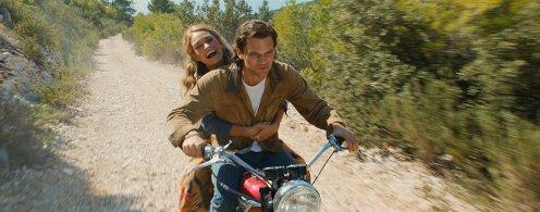 Mamma Mia - Here we go again - Lily James - jeremy irvine - moto